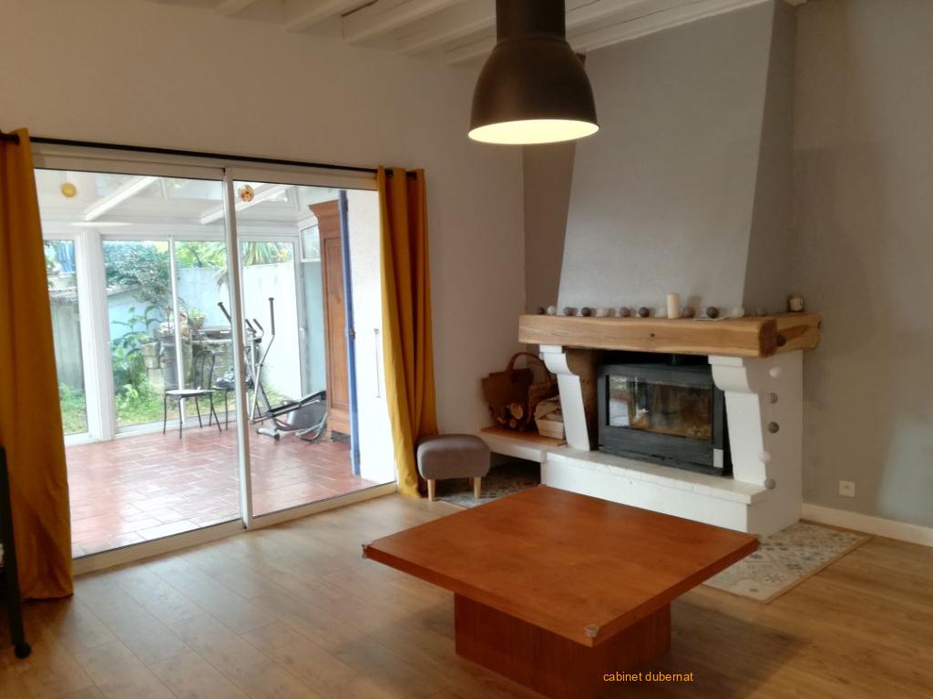 Ludon Medoc - Vaste maison en pierre sur 940 m²